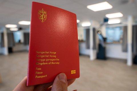STORT ETTERSLEP: Bare i Oslo-området er det et etterslep på 100.000 pass. Foto: Håkon Mosvold Larsen