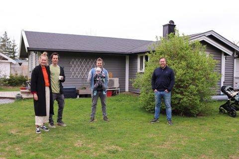 ØNSKER FAST BOPEL: Flere av hytteeierne på Tømrernes Feriehjem og Askehaugåsen ønsker omgjøre hytter til helårsboliger. Karoline Grundvold og samboer Andreas Mathisen har bodd i Bekkveien i en årrekke. Jonas Myrstad med sønnen Max har sammen med samboer Emilie Grundvold kjøpt tomt på området, mens Stig Ola Johansen har bodd på Tømrernes Feriehjem i ni år. Nå håper de en omregulering av hyttefeltet kommer i mål.