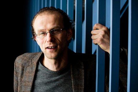KREVER KOMPETANSE: Matproduksjon er et ekstremt kompetansekrevende biologisk system som mange mangler nok kompetanse til å forstå, sier professor Birger Svihus ved NMBU.