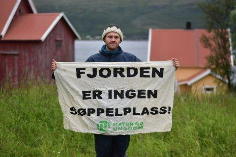 LANGSREIST PROTEST: Magnus Nickelsen har reist fra Ås til Repparfjord i Finnmark for å protestere mot bygging av en kobbergruve og dumping av gruveavfall i fjorden.