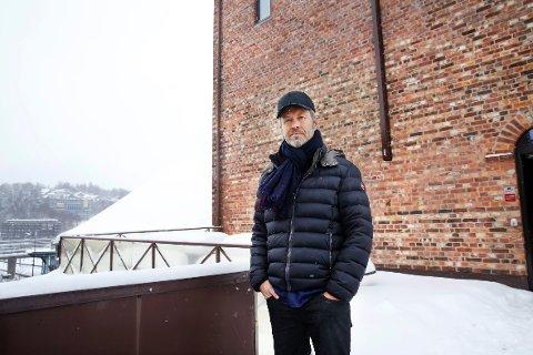 HØYT: I de øverste etasjene på Trafo har Furuholmen sin kunstneriske virksomhet.