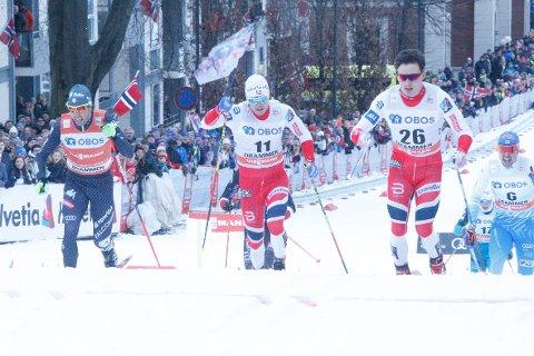 TØFT: Sindre Bjørnestad Skar (med nummer 11) ble nummer fem i Quebec fredag. Finn Hågen Krogh (til høyre) ble nummer to. Bildet er tatt under sprinten i Drammen i forrige uke. Til venstre Federico Pellerino fra Italia.