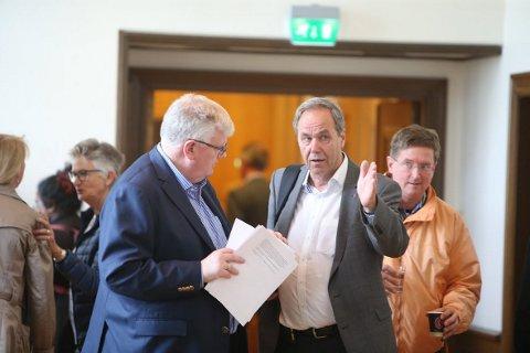 HØYRE OG AP: Høyres Bjørn Røtnes og Aps Kjell Maartmann-Moe er enige om hvordan Bærum kommune skal skaffe flere billige boliger i Bærum. FOTO: KARL BRAANAAS