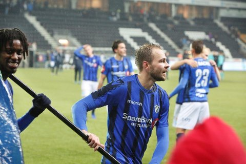 TØFF KONKURRANSE: Vadim Demidov var ute av laget de to første seriekampene, før han startet mot Rosenborg. Til venstre Moussa Njie, som nå spiller i serbisk liga.