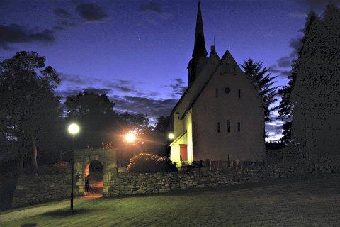 Tingvoll kirke med tilbud 1. påskedag.