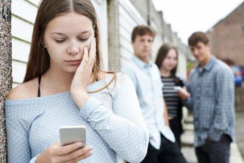 En økende bekymring er barn som mobbes på nett. 2 av 10 har opplevd at noen har lagt ut bilder av dem som har gjort dem triste eller sinte. Pressefoto