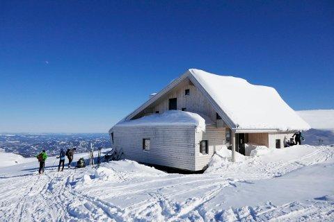 Den Norske Turistforening lover snøsikker påskestemning i fjellet. Foto: Erik Johansen / NTB scanpix