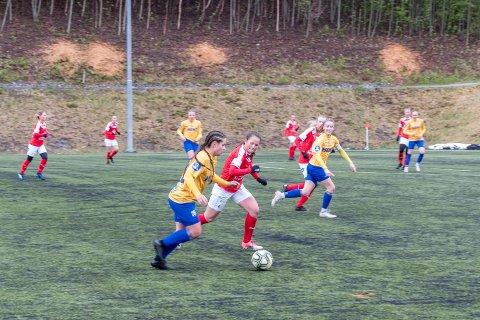 Det ble tøft for Sunndal i sesongens siste og avgjørende kamp. Bildet er fra en kamp mot Trondheims-Ørn 2 tidligere i sesongen.