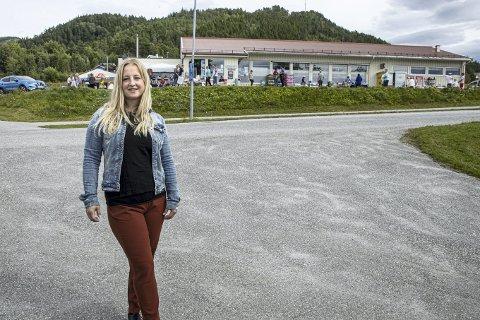 Arrangør: Elise Finnøy Kvisvik er butikksjef på Matkroken Kvisvik, og sammen med Kvisvik Vel arrangerer de sommermarkedet. Arkivfoto.