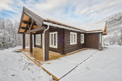 Solgt: Hytta som ligger solrikt til ved Storvatnet ble solgt tirsdag. Det ble ny prisrekord for hytte i Grødalen. Alle bilder: Eiendomsmegler 1.