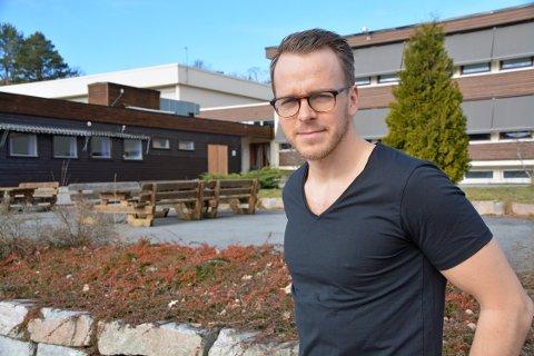 Tingvoll: Rektor Øystein Bråthen bemerker at for de mindre skolene, er konsekvensene større hvis tilbud ikke kommer i gang.