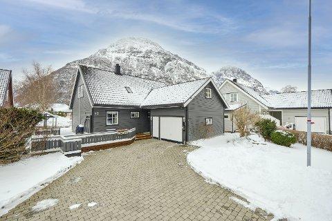 Rift om eiendom: Det er selgers marked i Sunndal for tida. Denne eneboligen ble solgt for 550.000 kroner over prisantydning sist uke.