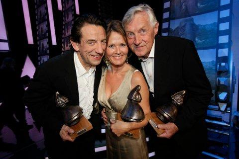 Ærespris: I 2009 fikk Helge Jordal (til venstre), Kjersti Holmen og Sverre Anker Ousdal Amandakomiteens Ærespris.  Foto: Stian Lysberg Solum / NTB