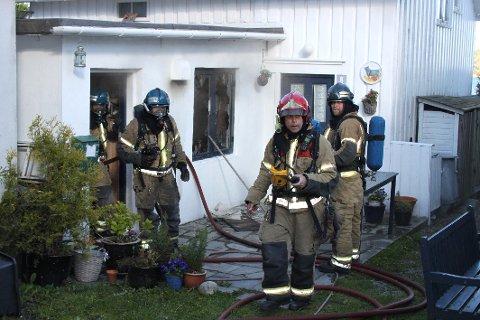 INGEN I HUSET: Det kunne brannvesenet konstatere etter kort tid.