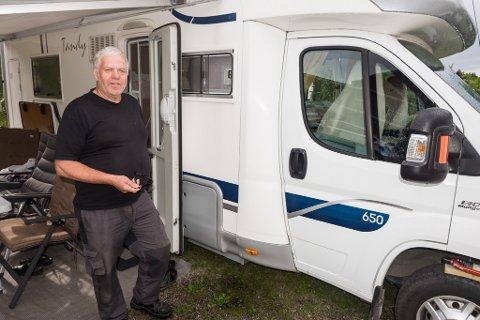 Anders Johnsen kan fortelle at man nå har tilrettelagt for bobilturisme på Hommen gård.