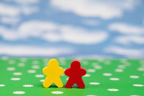 GODT Å VÆRE TO: Og gjerne flere også. Alle trenger nemlig en venn. Vær en, du også.