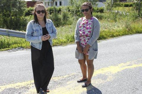 VAR PÅ FESTEN: Anna Heiland Moen (til venstre) og Hanne Hoksvold var begge på festen der to menn skjøt vilt mot huset i bakgrunnen. De er glade begge har fått sin dom.