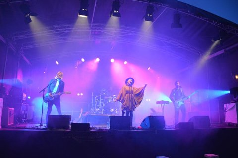 """Over 1500 mennesker var innom konsertene, både på fredag og lørdag. Her fra konserten med """"Eva and The Heartmakers"""" på fredag."""