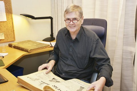 MANGE GODE MINNER: Roy begynte i Bladet Risør da han var 22 år. Her kaster han et blikk tilbake i historien på sin aller siste arbeidsdag.