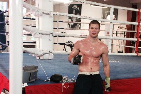 KAMPKLAR: Kai Robin Havnaa bokser sin åttende proffkamp lørdag 5. november. Her på trening i Arendal tidligere denne måneden. I Instagram-posten lovet 27-åringen at det ikke var lenge til neste kampdato ble offentliggjort.