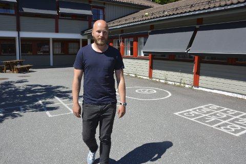 OPP I GRADENE: Christoffer Gautland Andersen stortrives med utviklingsarbeid, både med fotball- og inspektørsko.  Foto: Mari Nymoen Nilsen