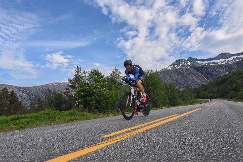 TØFF TEMPO: Her er Per Eskeland underveis på den 47,5 kilometer lange tempoen under NM i Bodø.