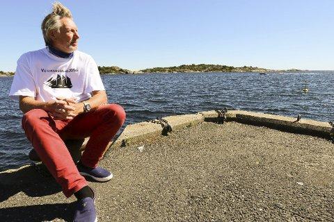 Markerer veteranene: Neste fredag vil Øyvind Christoffersen markere veteranene på dampskipsbrygga.foto: stig sandmo
