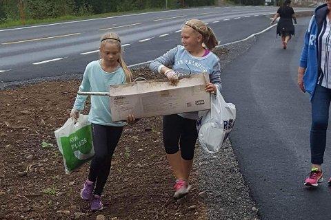 Miljøfokus: Kampanjen «Tilj jobben uten bil» har fokus på miljøvennlighet, så hva er vel ikke bedre enn å plukke med seg søppel langs veien...?