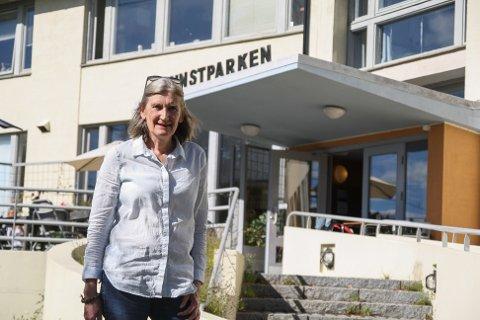 Kunstrekord: - Jeg har ikke opplevd maken, det har vært helt fantastisk, sier Anne Aanerud om sommeren i Kunstparken.