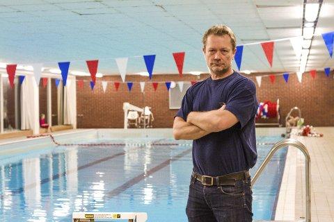 KAN BLI STENGT: om Hommefoss utelukker ikke at tilbudet på tirsdager og fredager i svømmehallen kan bli borte hvis ikke situasjonen endrer seg.  Bildet er tatt tidligere i år.