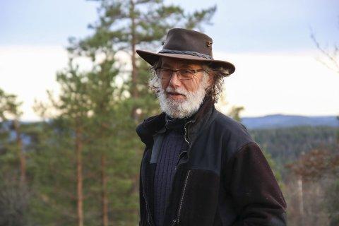 Gjerstadlosen: Knut Hagelia har trådd sine barnesko her i Hageliåsen, og kjenner området like godt som sin egen bukselomme.