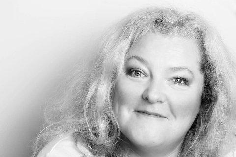 ELSKER RISØR: Lyngørboer Anne-Line Henriksen avslører at hun digger naboene i øst.