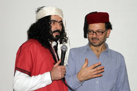 Rørt kokk: Bashar (til høyre) var rørt over støtten han fikk fra Agyad og risørfolket som troppet opp i Kunstparken.