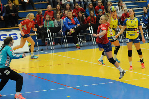 OPP OG NED: Slik oppsummerer Guro Lundtveit Svennevig sin sesong i eliteserien.