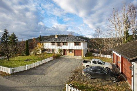 RISØR: Eiendommen som ligger på adressen Kviåsen 17 på Akland ble solgt i februar, til den nette sum av 1.800.000 kroner. Foto: Raadhuset eiendom
