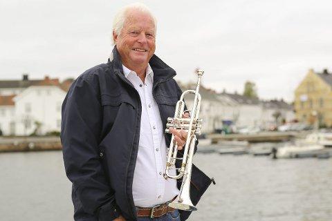 Stradivarius: – Dette er trompetenes Rolls Royce, smiler Roar Marcussen (71), som 17. mai morgen skal spille flaggfanfare på Kastellet, slik han har gjort det hver 17. mai siden 1970.foto: stig sandmo