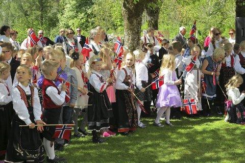 Fest i foto: Enten du er utenbysfra og skal feire i Risør eller Gjerstad, eller du er lokal og skal feire et helt annet sted vil vi gjerne se hvordan feiringen din foregår.