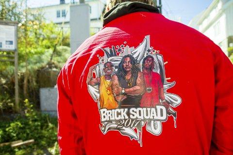 Brick Squad har brukt 7000 kroner på å få designet logoen sin.
