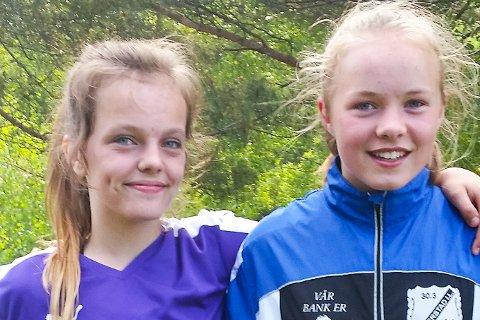 ORDNET SEIER: Ayla Grunnsvoll Hansen (2) og Solfrid Emblem Holte scoret for Gjerstad J13 i 3-2-seieren over Lillesand 2 tirsdag kveld.