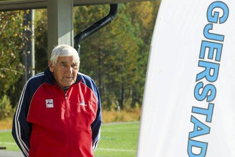 Trofast: Nils Dalen har gått alle de 37 Gjerstadmarsjene.Foto: Gjerstad idrettslag