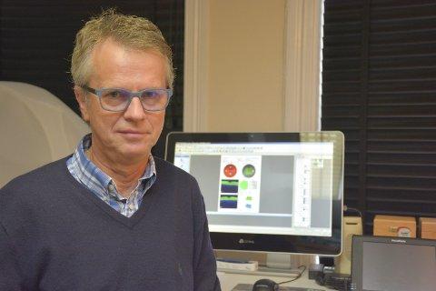 Fra ingeniør til helsefag: Knut Myren og hans klinikk feirer 75 år om få dager.Foto: Hans Petter Bjerva