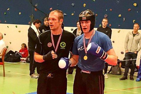 NERVØS INNGANG: Tobias Moen Johansen (til høyre) fra Søndeled kjente på presset før norgescupen hjemme i Risør, men han vant sine tre kamper og fortsatte der han slapp i fjor.