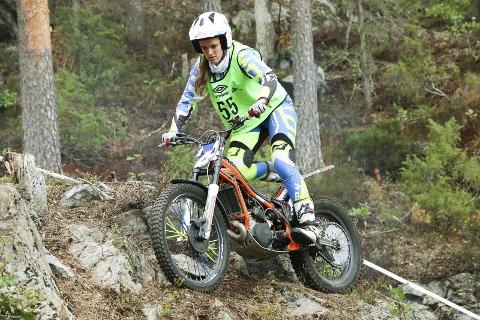 Elitekjøring: Oda Sletta var en av deltakerne under lag-NM på Brokelandsheia i helga. (foto: tanja kveim)
