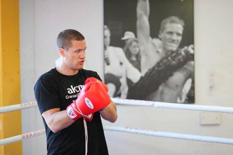 SATT TILBAKE: En bruddskade i tommelen gjorde at Kai Robin Havnaa, her fra trening i sommer, måtte avlyse et proffstevne i Arendal i november.