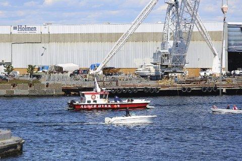 Undersøkelser: Dykkerbåt fra Agder dykk undersøkte bunnforholdene på utsiden av Holmen. Nå er rapporten klar. Foto: Stig Sandmo