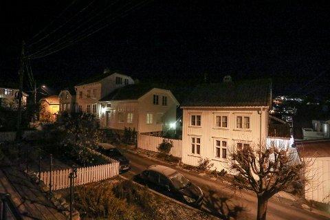 Boplikt - mørke hus.