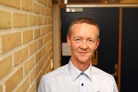 Ordførerkandidat og leder i Risør Frp, Magnus Stø Kittelsen er ikke veldig overrasket over at Frp-velgerne er splittet i synet på boplikt.