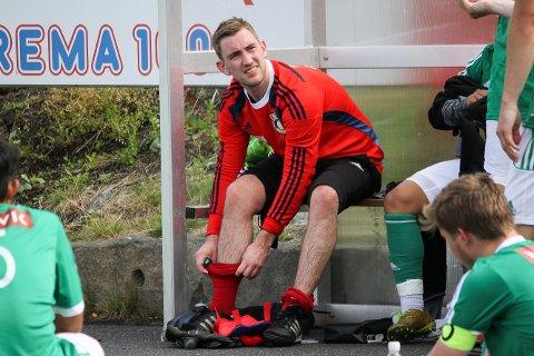 VEGGEN: Risør-keeper Eirik André Gullhav, her fra en tidligere kamp, reddet to forsøk fra Øyestad på straffespark.