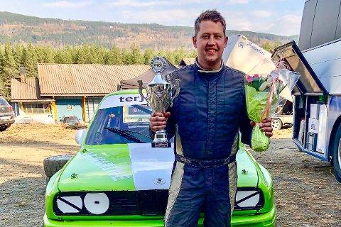BRONSEVINNER: Robin Slåttekjær (31) vant bronse i sin første konkurranse i sin nye BMW E30 M3.