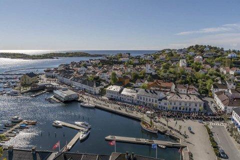 FOLKETALL: Det offisielle innbyggertallet i Risør kommune er 6.821, per 1. april i år. Det er en nedgang på 27 personer i første kvartal. (Illustrasjonsfoto)
